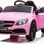 Mercedes benz C63 AMG Roze Elektrische kinderauto met open deuren 550x507