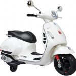 elektrische-kinder-scooter-wit-vespa-550x530